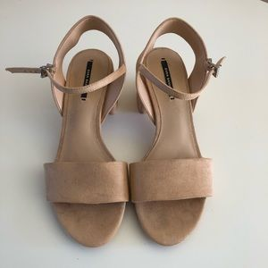 Zara Basic Suede Blocked heel